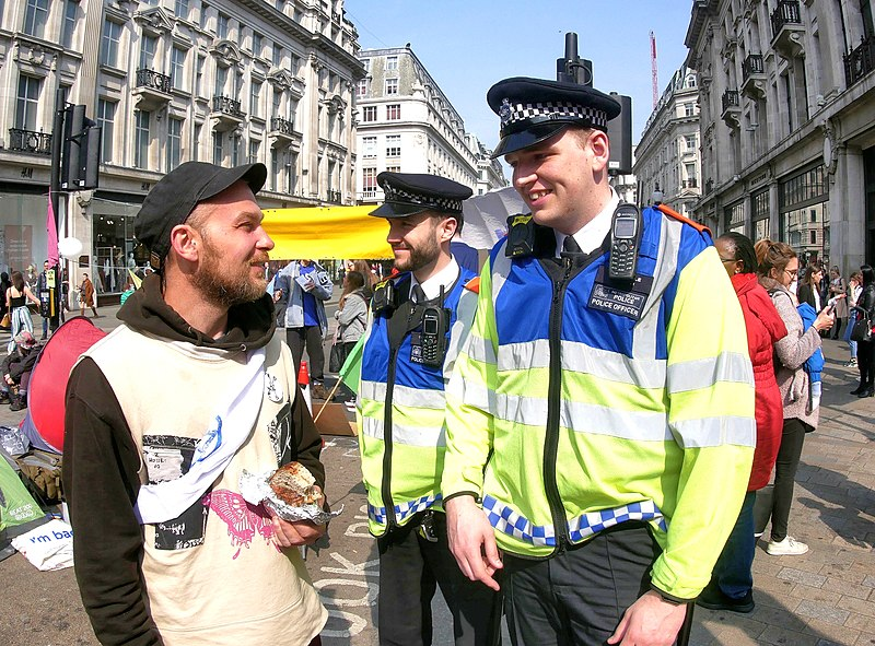 800px-Extinction_rebellion_police